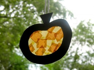 pumpkin window catcher | thecraftyhostess.com
