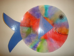 Colored coffee filter fish kids craft